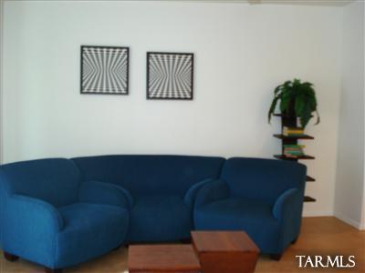 4184 N. Fortune Lp Living room