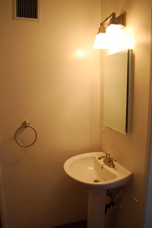 2601 E. Waverly St #1 Bath 3