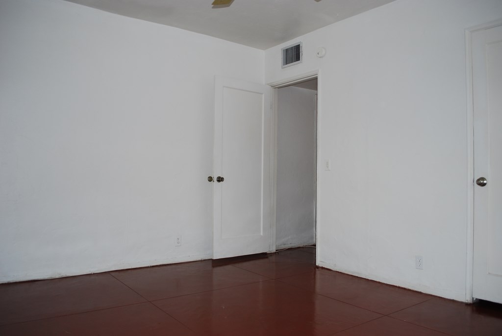 2601 E. Waverly St #1 Bed Room