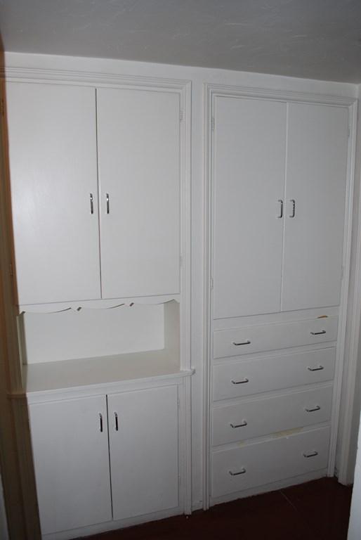 2601 E. Waverly St #1 Cabinet