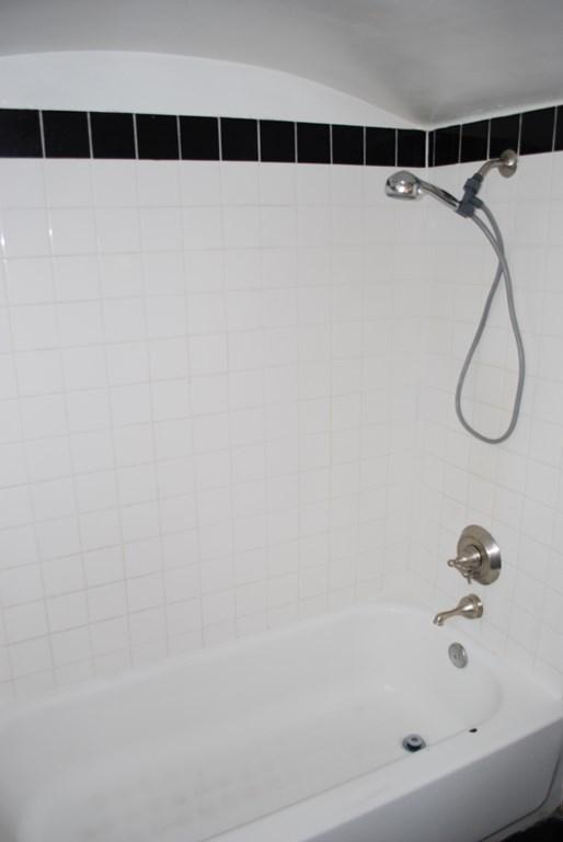 2601 E. Waverly St #1 Bath