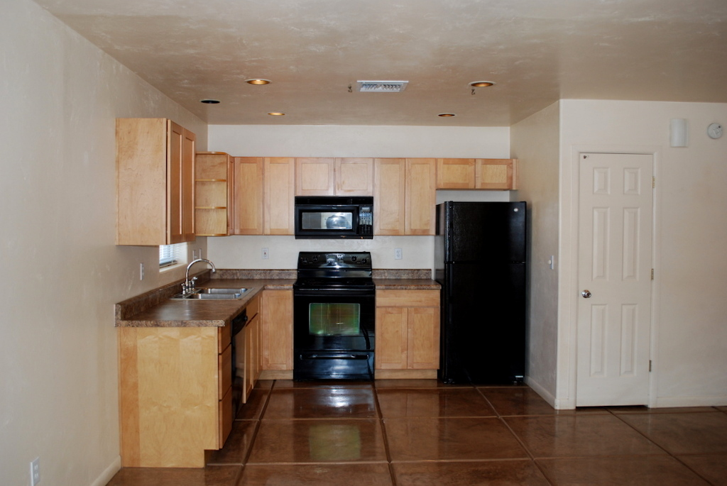 3619 N Santa Rita Ave #2 kitchen