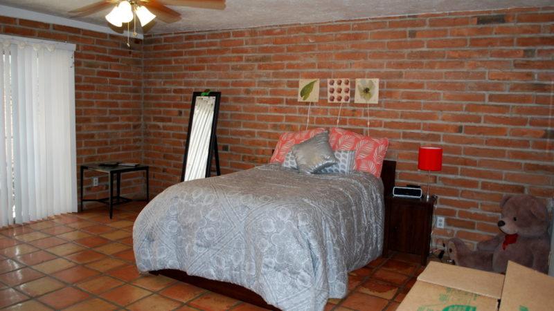 3040 E 1st St bed